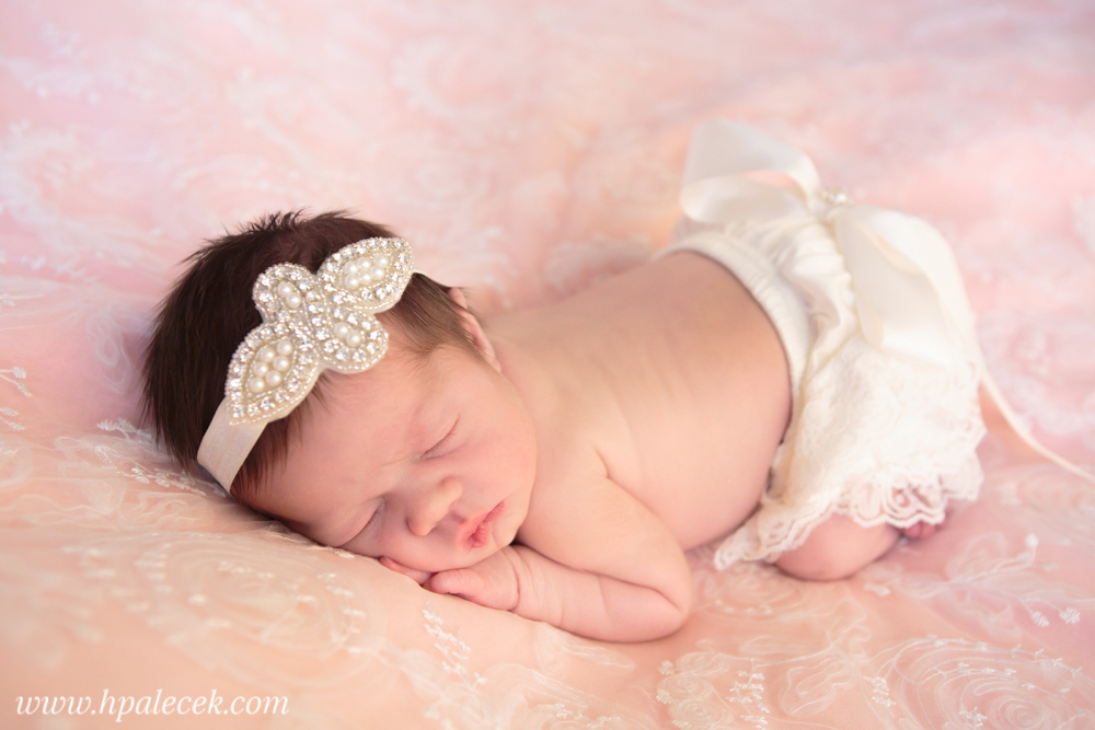 Newborn girl studio at home bordentown nj