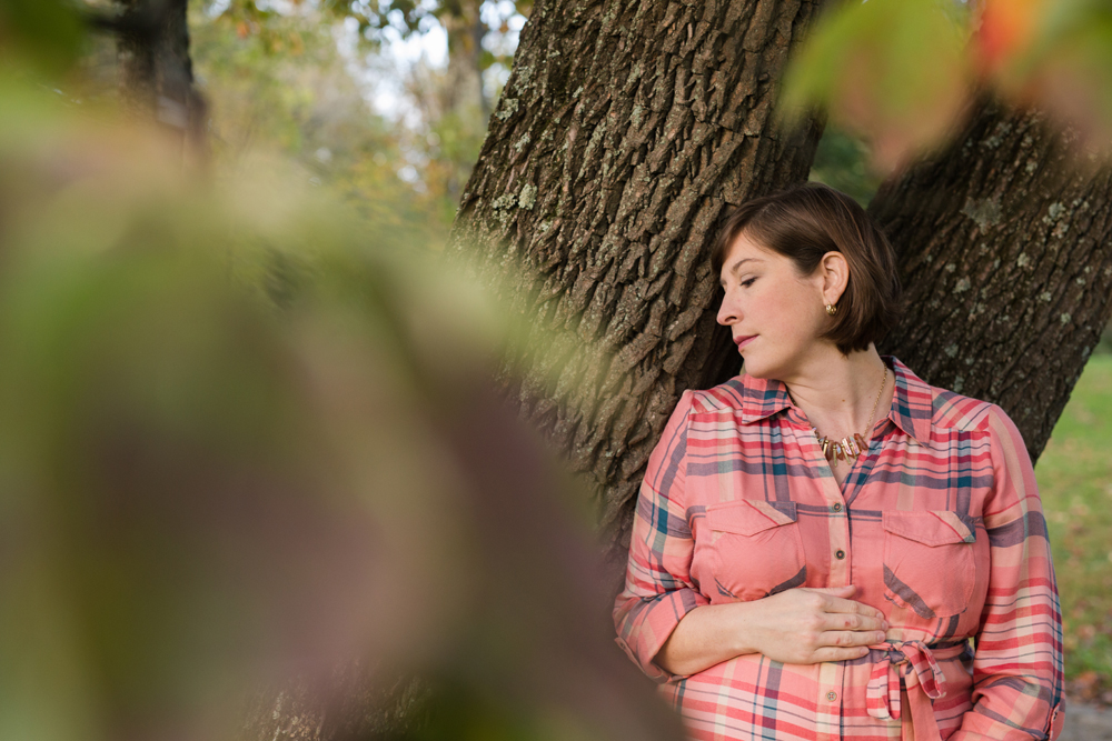 maternity posing in tree