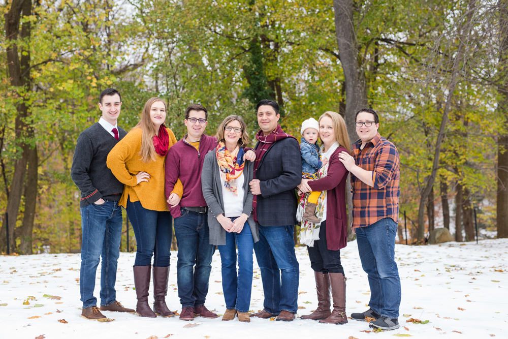 extended family session in snow