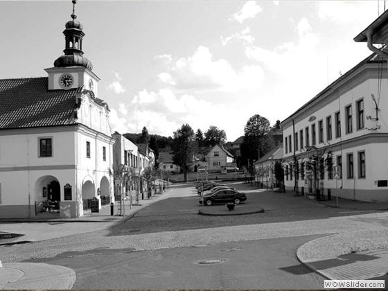 Stříbrnoskalické náměstí v roce 2014