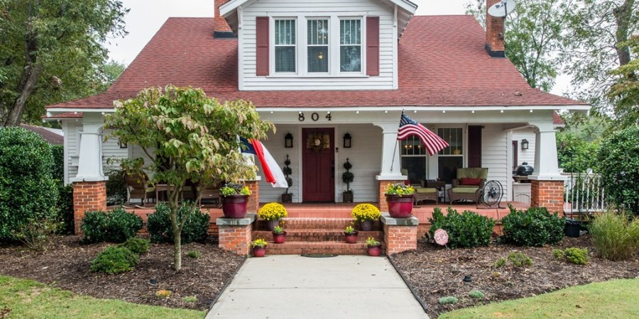 Completely Renovated Farmhouse in Benson