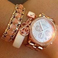 Бижута: гривни и часовници