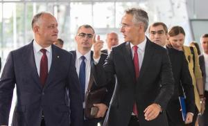Dodon face pe curcanul în fața Secretarului General Nato