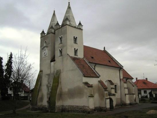 Románsko-gotický kostol v Štvrtku na Ostrove, január 2008