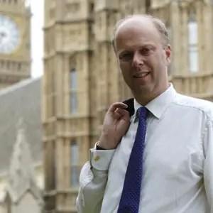 Minister unveils work experience scheme