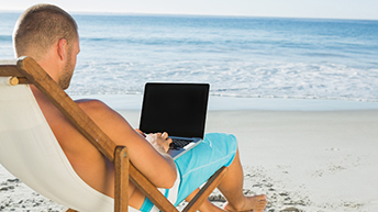 UK workers feel pressured to work on holiday