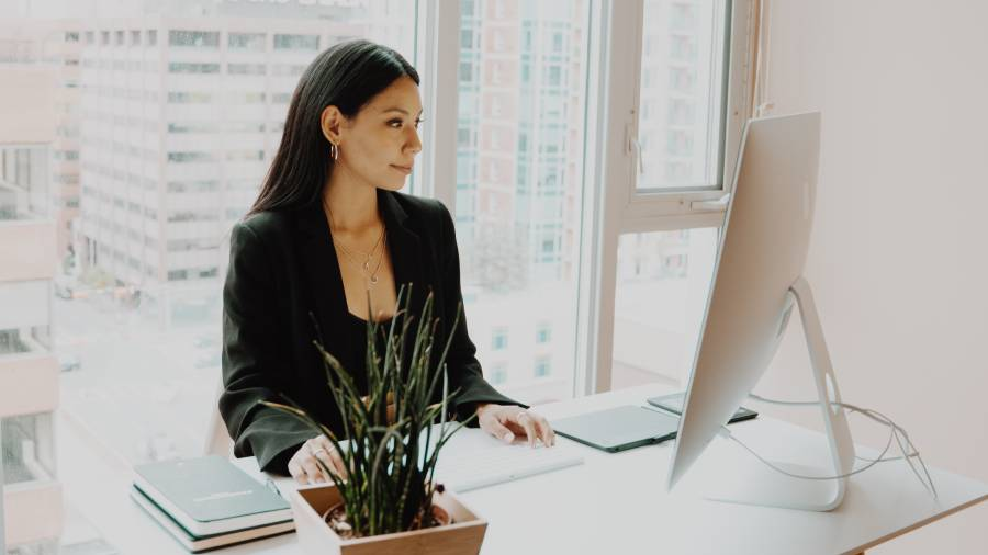 Just a quarter of women would choose working remotely full-time