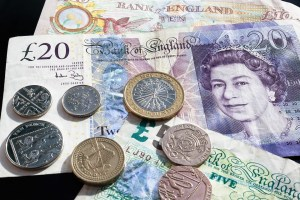 UK salaries set to rise in 2019