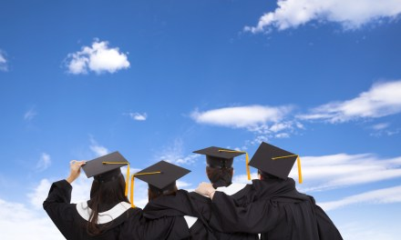 Economic degrees bring in the highest income