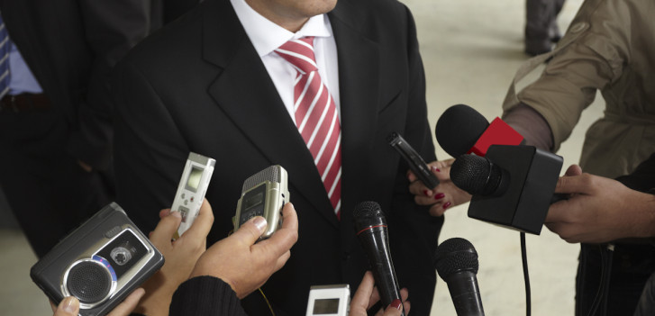 How employees should deal with the media in the event of a crisis