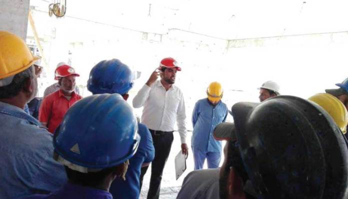 How to Give an Effective Toolbox Talk For Working at Height