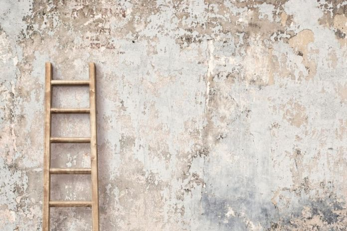 Reduce the Risk of Injuries with a Ladder Safety Checklist