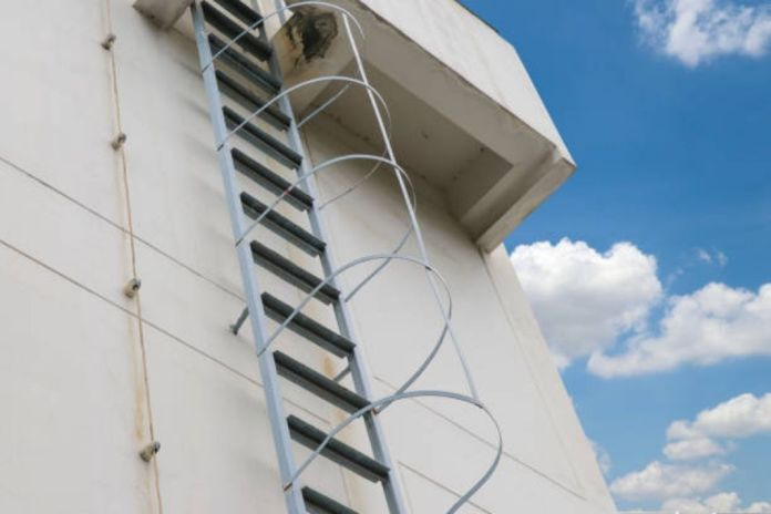 Safety Guidelines While Climbing Fixed Ladders