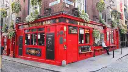 Il famoso The Tample Bar di Dublino