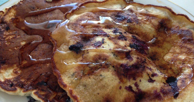 Amerikanska blåbärspannkakor - Recept på Hssons Skafferi
