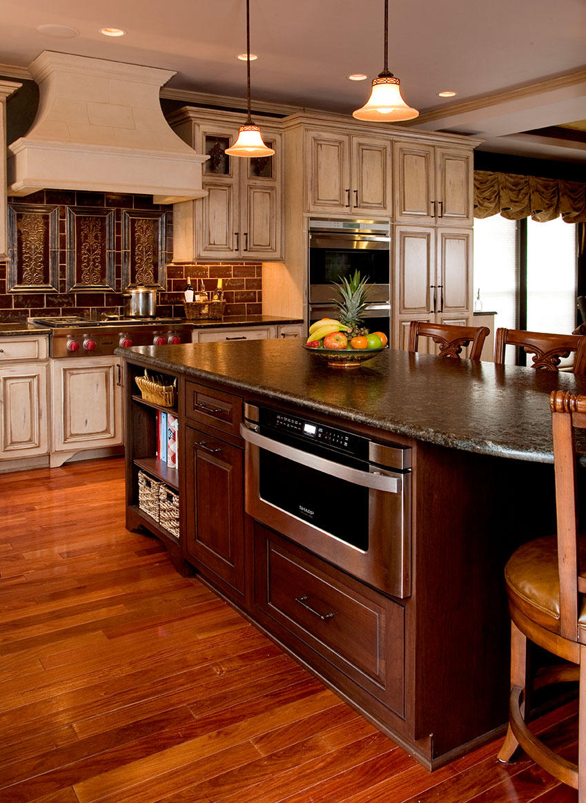 Country Kitchens | Designs & Remodeling | HTRenovations on Farmhouse:4Leikoxevec= Rustic Kitchen Ideas  id=33151