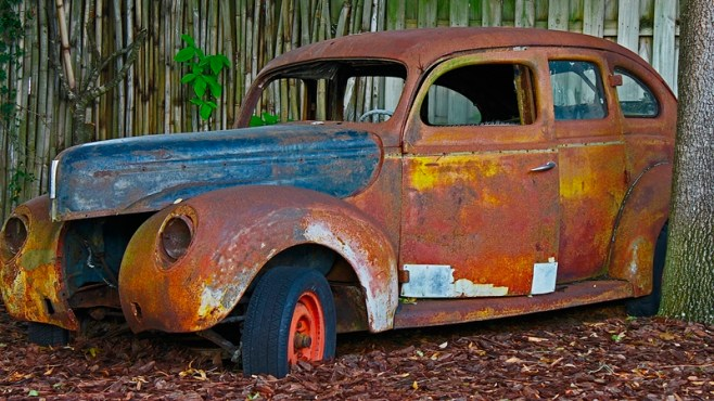 rusted-car