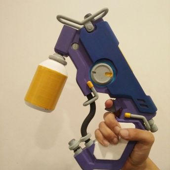 Overwatch Tracer Pulse pistol 3D Print Overwatch Pic 1