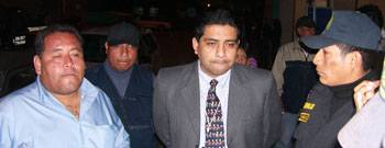Administrador de Z Buss Michel Fiafilio y el Ejecutor Coactivo William Cornejo