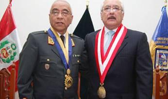 General Mauro Walter Remicio Maguiño y Dr. Luis Cervantes Rector UIGV