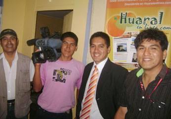 También llegaron a las instalaciones de Huaralenlinea. Se entrevistaron con varios medios de comunicación.