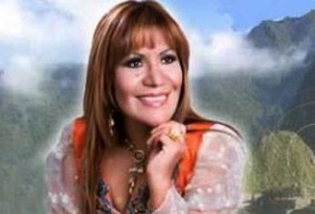 Alicia Delgado, reconocida cantante bernacular.