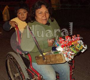 Luis Mena Rivera  y su madre  Benedicta Rivera Mena