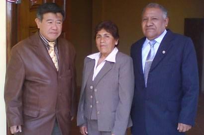 Ing. Nelson Chui Mejía, la Señora Elizabeth Céspedes de Salguero y el alcalde Pedro Salguero.
