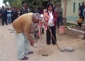 Primera piedra en obra del centro poblado La Aurora.
