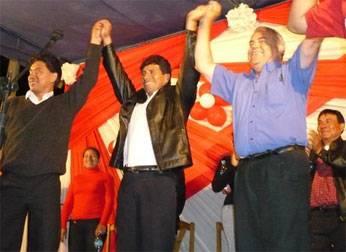 Vicente Sánchez y Michel Azcueta expresan su respaldo a Waldo Núñez en Supe.