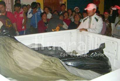 Cuando trasladaban el cadáver de la víctima.