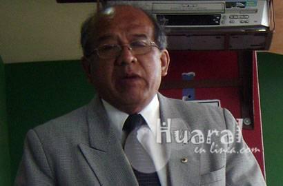 Dr. Alberto Tuesta Zuta.