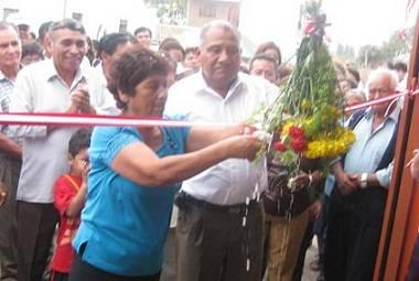 Alcalde de Aucallama Padrinos de inauguraciòn.