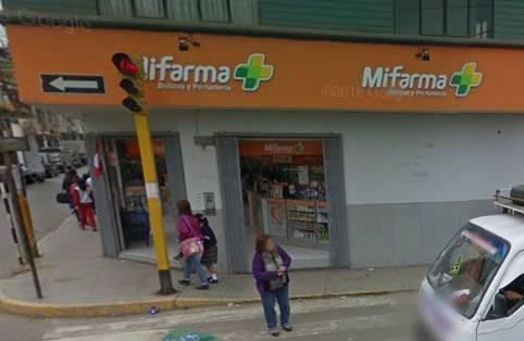 Delincuentes asaltaron farmacia en pleno centro de Huaral