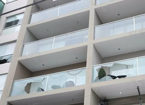 Desconocidos lanzan granadas y balean edificio en Surco