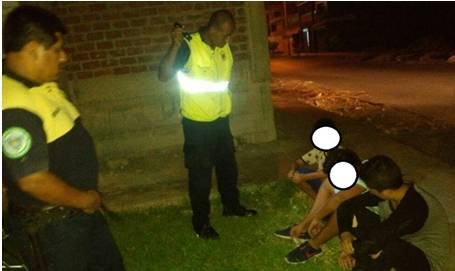 Encuentran a tres menores de edad drogandose en el Parque Residencial de Huaral