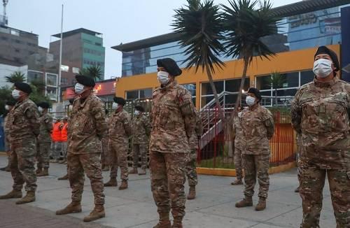 Fuerzas Armadas seguirán en mercados, paraderos y bancos para evitar aglomeraciones