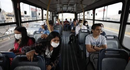 Protectores faciales se deberá usar en el transporte público por la escasa distancia.