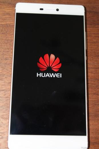 Huawei P8 - Front - Display