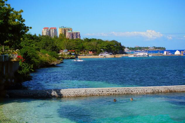 フィリピン観光で有名なセブのビーチ