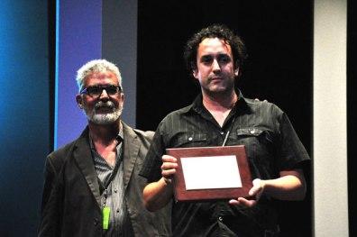 Iban del Campo, director of Katebegitik, award Cacho Pallero