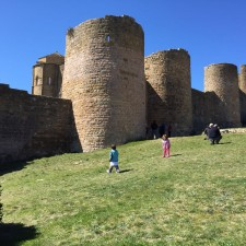 Castillo de Loarre y Niños