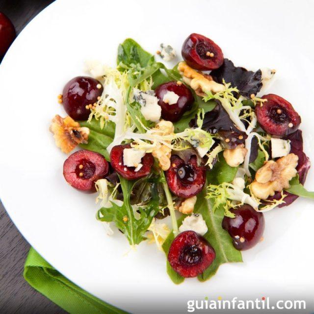 5554-ensalada-de-cerezas-nueces-y-queso