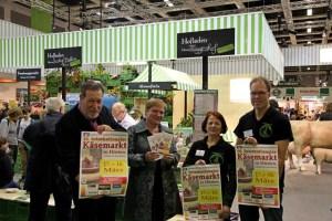 Ursula und Rudolf Tigges u. Angelika Geue und Rupert Schulte vom Orgateam Käsemarkt