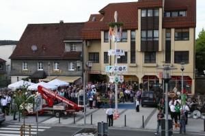 Maibaum Hüstener Markt 30.04.12_002