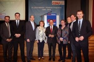 Von links: CDU Hüsten: Jan Beckmann, Michael Peters, Dr. Gerhard Webers, Ursula Beckmann, Vors. CDU NRW: Armin Laschet, CDU Hüsten: Angelika Geue, Rupert Schulte, Günter Gossler, Dr. Patrick Sensburg (MdB)