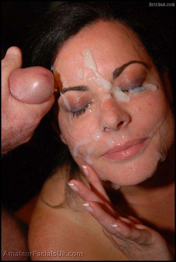 Lydia, British MILF: nothing better for a mature woman face than a protein rich facial cum mask