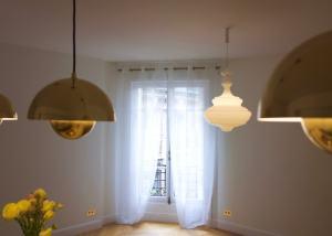 Luminaires très tendance pour cette rénovation de la salle à manger