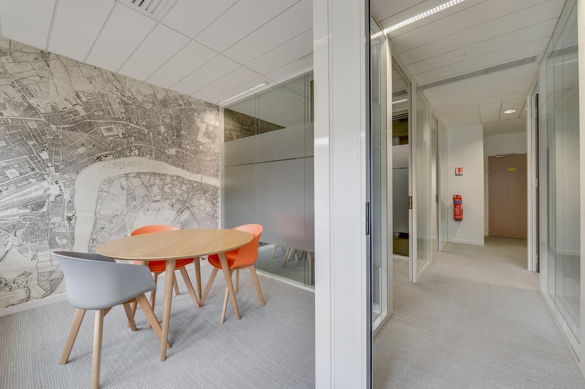 Création d'une salle de réunion pour des bureaux