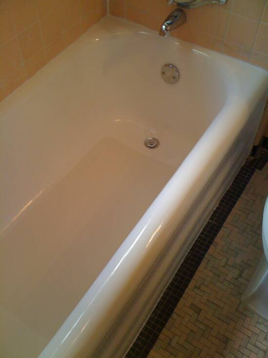 Before And After Bathtub Refinishing Milwaukee WI